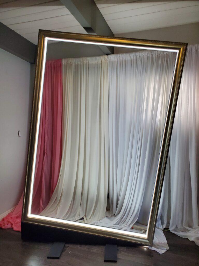 photobooth backdrop frame